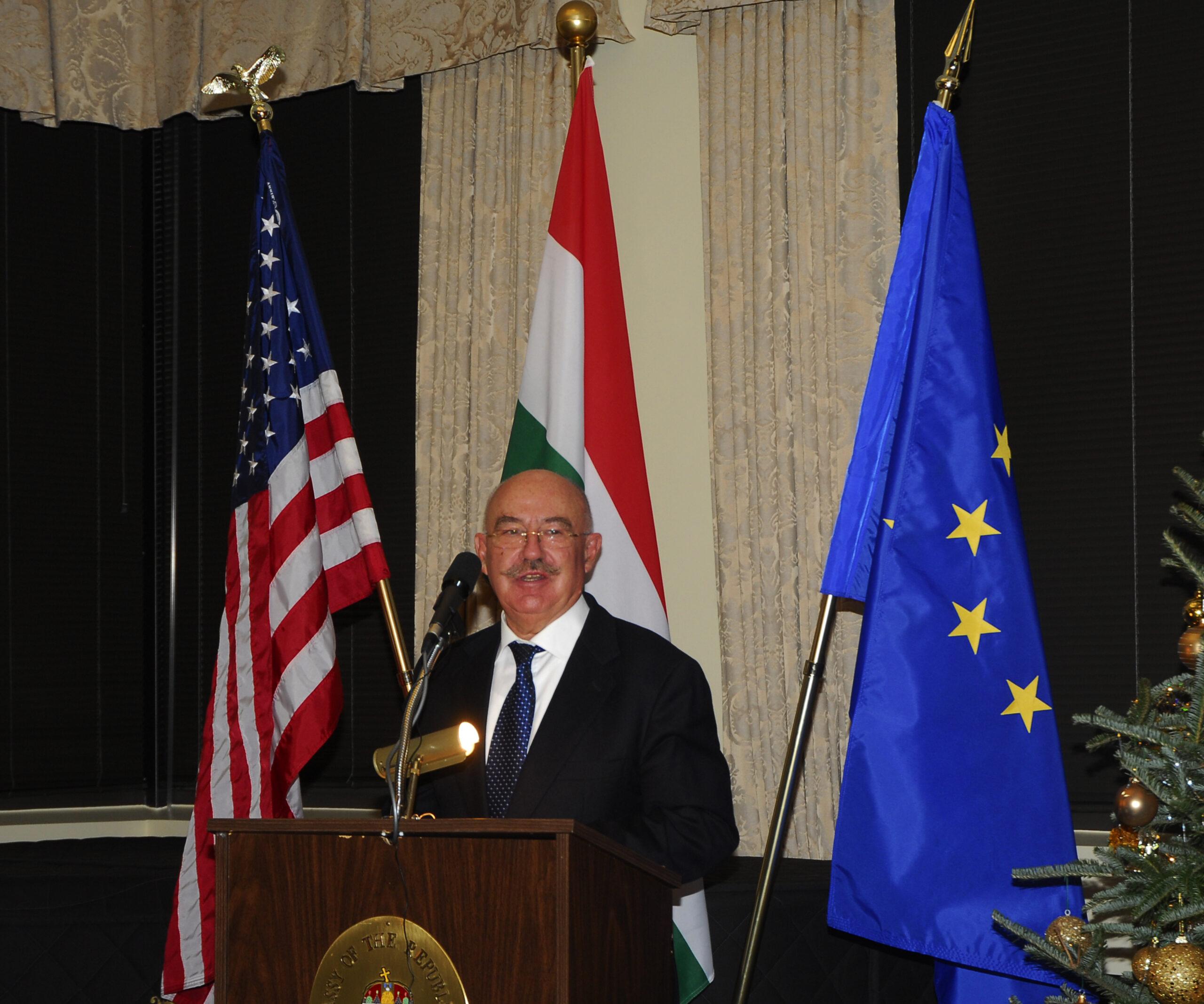 2009_2_János MArtonyi
