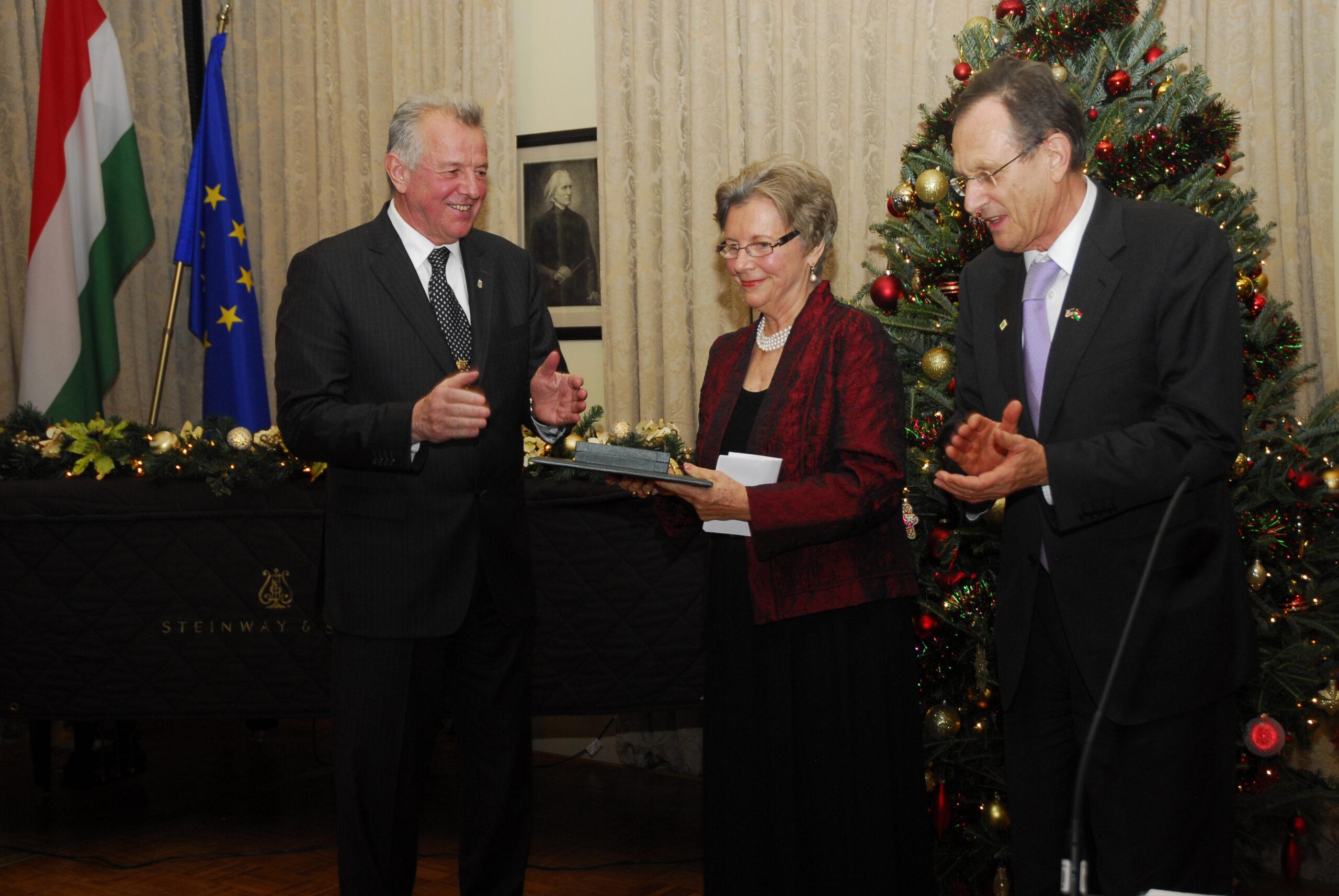 2011_Edith_Lauer-Pál_Schmitt_award