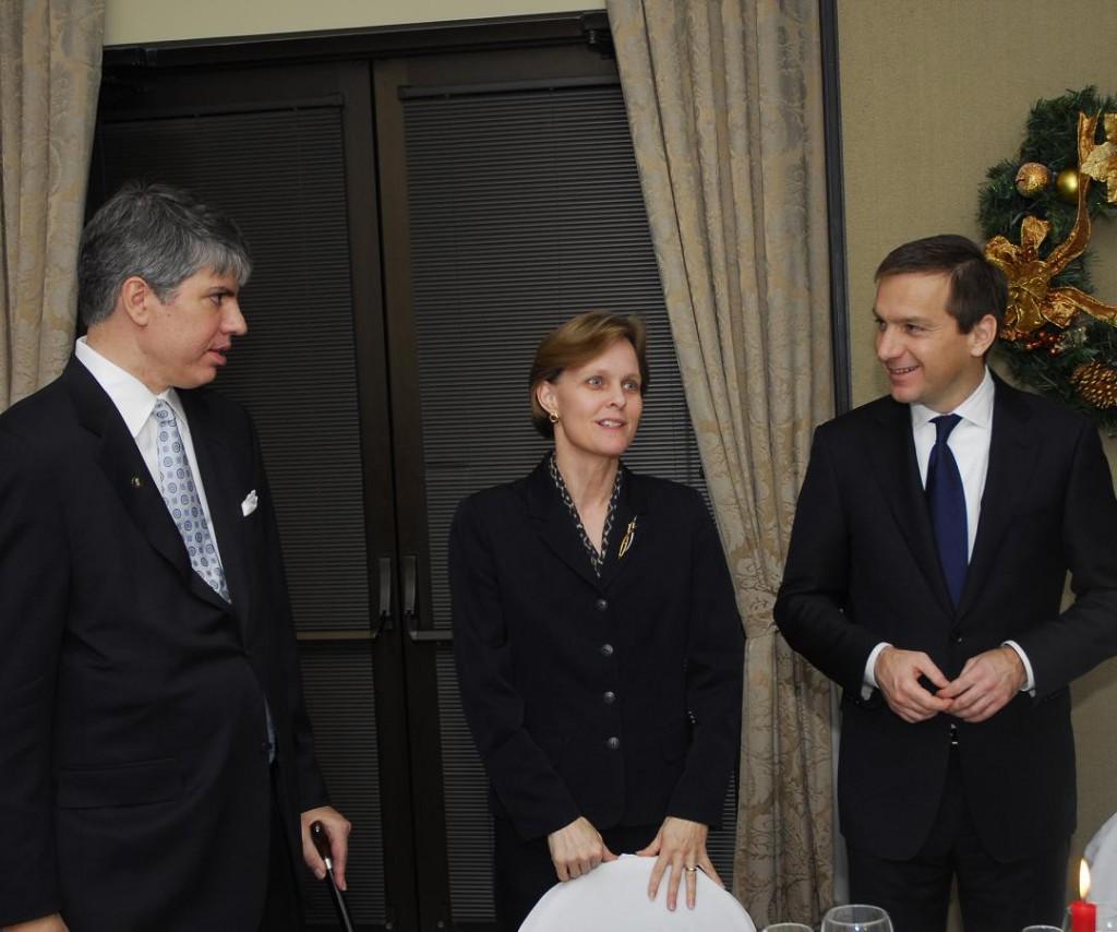 Mr. Maximilian Teleki, Ms. Pamela Quanrud and Prime Minister Gordon Bajnai