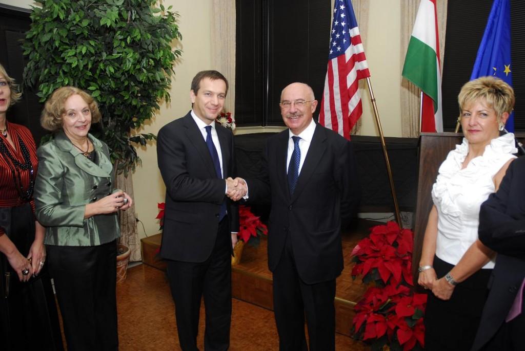 Mrs. Emese Purger, Prime Minister Gordon Bajnai, Prof. János Martonyi and Mrs. Bela Szombati