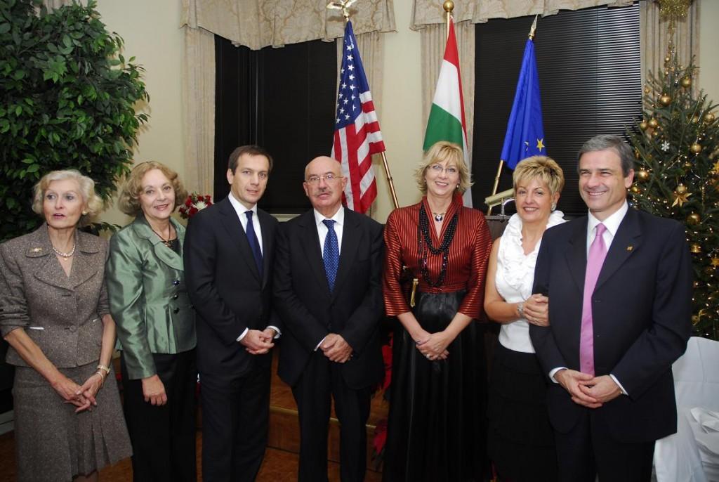 Mrs. Eva Voisin, Mrs. Emese Purger, Prime Minister Gordon Bajnai, Prof. János Martonyi, Mrs. Agnes Lendvai-Lintner, Amb. and Mrs. Béla Szombati