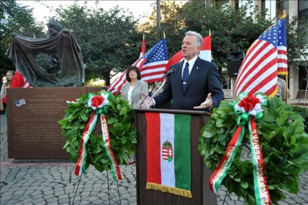 President Pál Schmitt delivering his speech at the statue of the 1956 Hungarian Revolution Photo: Office of the President of the Republic of Hungary
