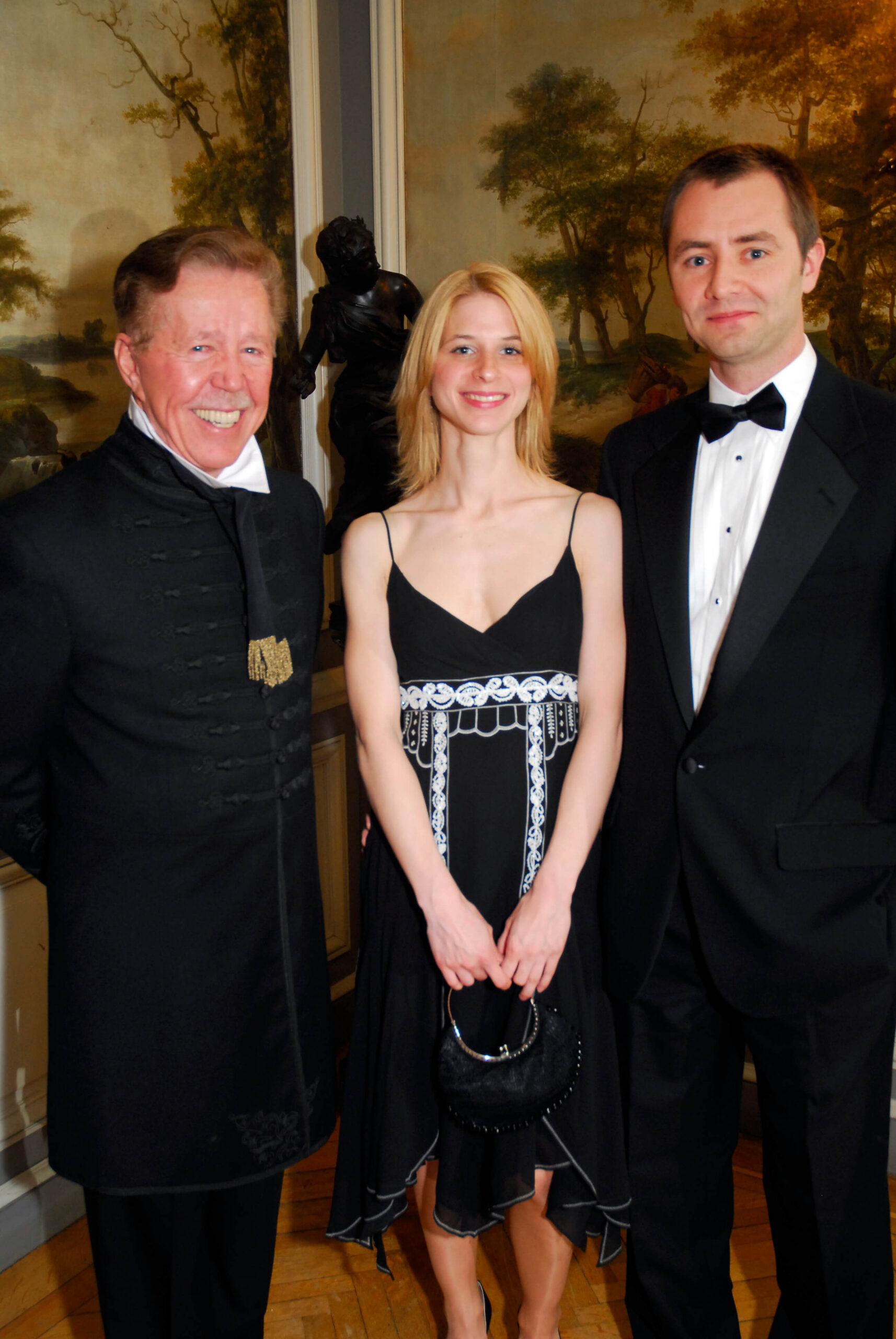 Mr. Leslie Megyeri, Dr. Mónika Varga, Mr. Béla Gedeon
