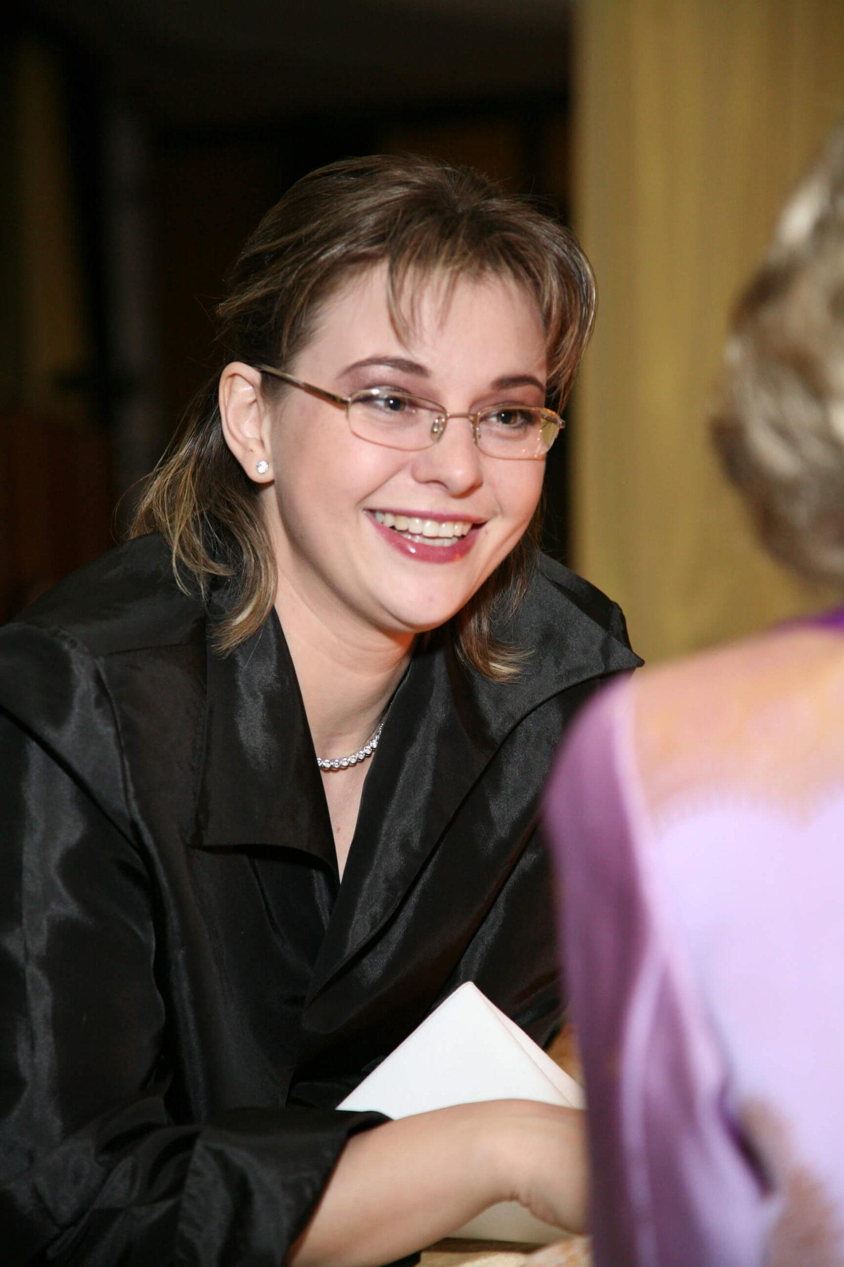 Ms. Éva Dúlfalvy violinist
